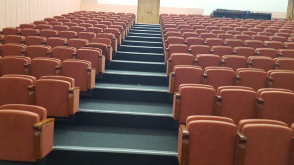 кресла для театра
