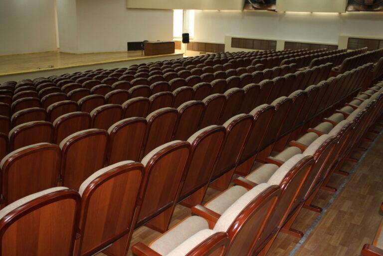 театральнын кресла 015
