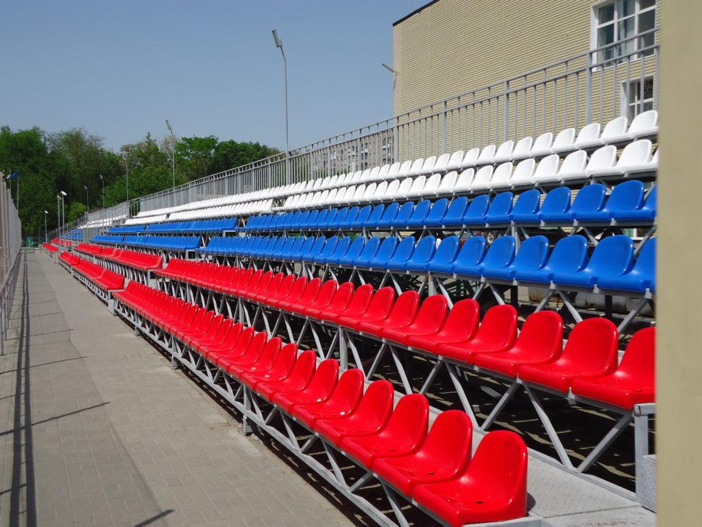 пластиковые сиденья для стадиона